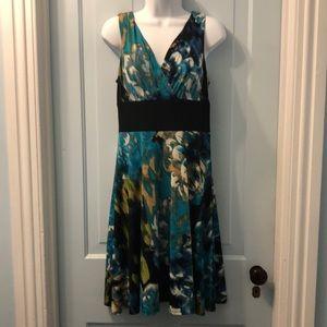 Scarlett sleeveless dress size 6 multicolor
